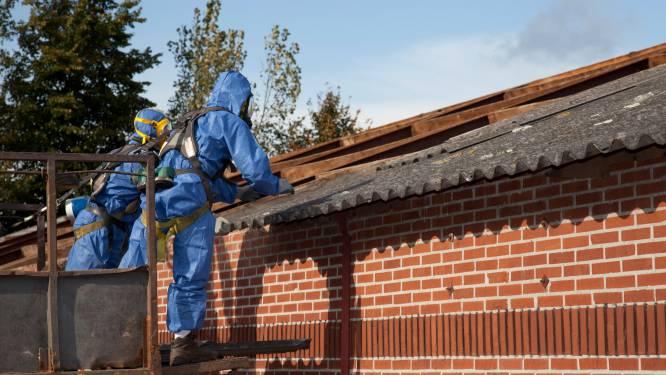 Af van je asbestplaten? In 8 op de 10 Vlaamse gemeenten halen ze ze op aan je voordeur