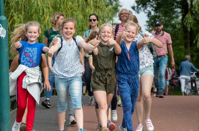 Maandag was het weer nog perfect voor de lopers van de avondvierdaagse in Veenendaal.