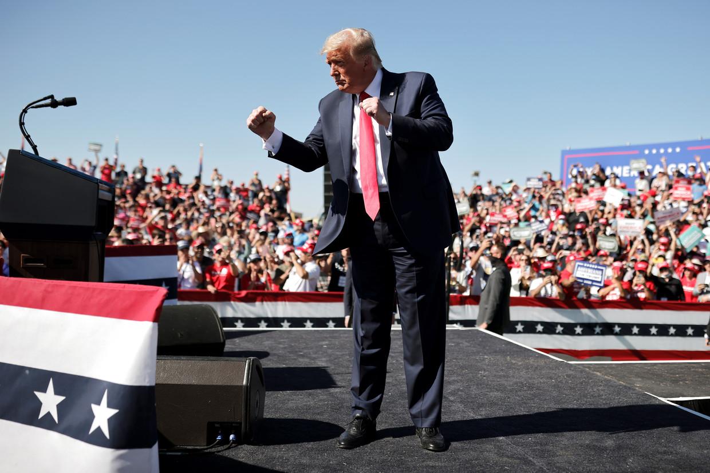President Donald Trump tijdens een campagnebijeenkomst in de Amerikaanse staat Arizone, op 19 oktober 2020.  Beeld REUTERS