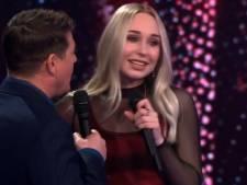 Daphne uit Havelte 'is het helemaal kwijt' in halve finale The Voice, maar gaat wel door