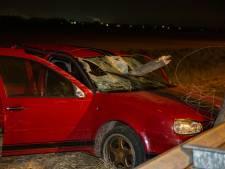 Paal doorboort auto bij ernstig ongeluk op A16: vijf gewonden, dronken automobilist aangehouden