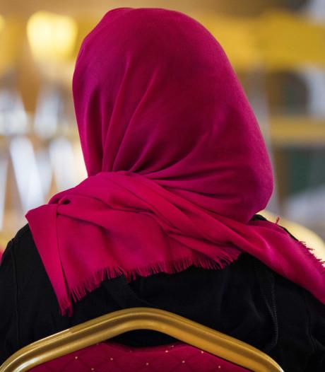 België moet draagster hoofddoek 1000 euro betalen na weigering