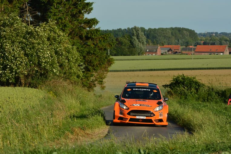 Davy Vanneste in actie in een Fiesta R5 tijdens de rally van Wervik.