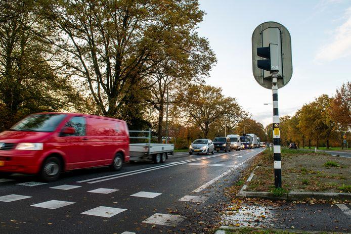 De N35 Raalte is onder meer bij Raalte vanwege de verkeerslichten daar het toneel voor dagelijkse file's.