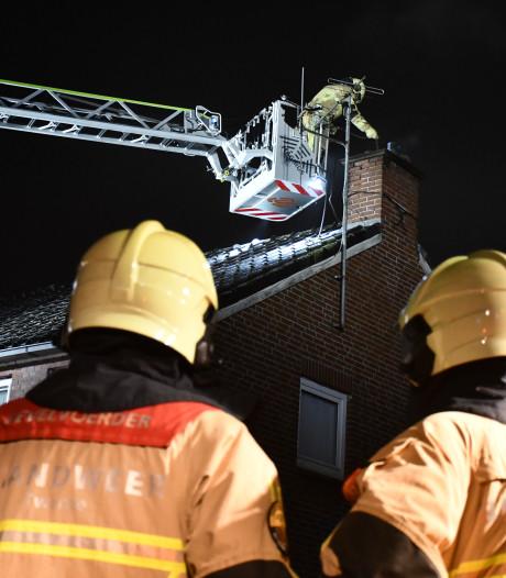 Brandweer rukt uit voor schoorsteenbrand in Vroomshoop
