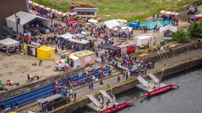 Het foodfestijn Bietje Koekoek speelde zich af aan de Roode Vaart, op het terrein van de Pulphal van de oude Suikerfabriek in Zevenbergen.