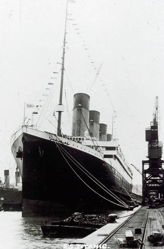 De Titanic, toen nog in volle glorie