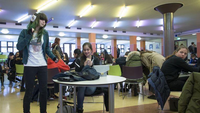 Leerlingen op het Spinoza Lyceum. Foto ter illustratie. Beeld Marc Driessen