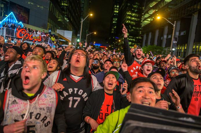 Spanning in Toronto tijdens de beslissende zesde wedstrijd in de NBA Finals.