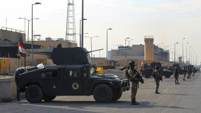 Raketten afgevuurd op VS-ambassade in Irak, bomauto ontploft aan Britse ambassade