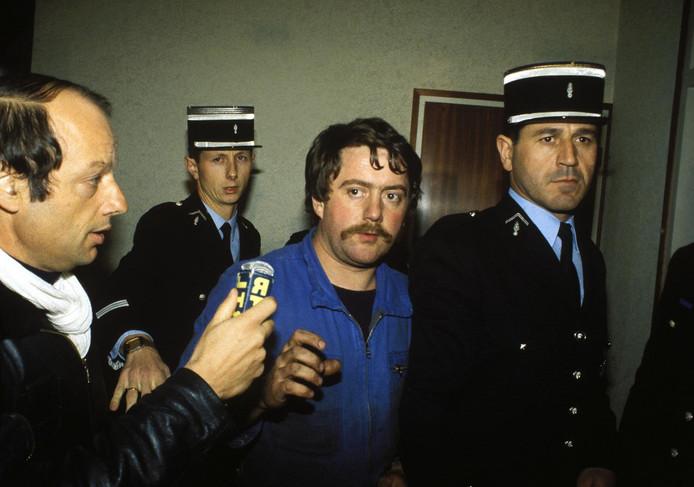 """""""Quelques jours avant le passage à l'acte, des repérages et surveillances ont été réalisés, opérés par un homme portant une moustache et quelquefois accompagné d'une femme"""", a précisé Jean-Jacques Bosc. Cet homme, s'agirait-il de Bernard Laroche, tué en mars 1985 par Jean-Marie Villemin?"""