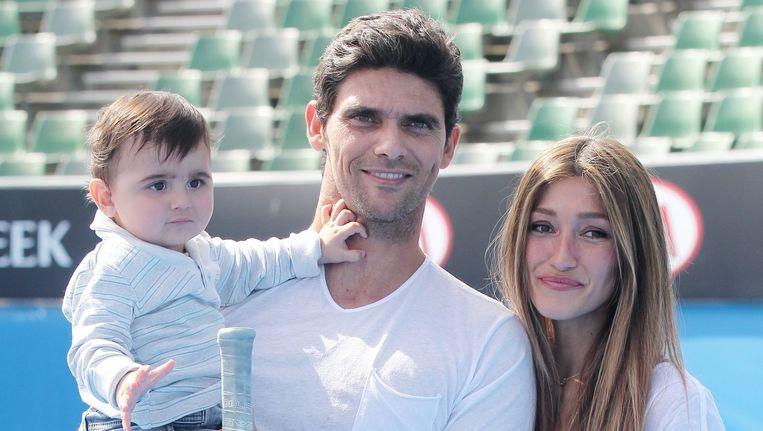 Mark Philippoussis met vrouw en kind.