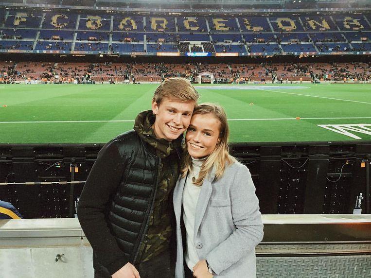 Frenkie de Jong met zijn vriendin Mikky Kiemeney in Barcelona. Beeld Privé