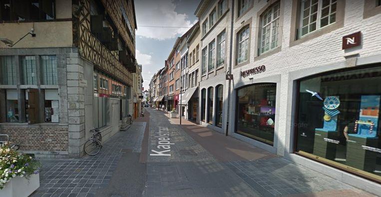 Het eerste deel van de Kapelstraat vanaf de Grote Markt wordt heraangelegd