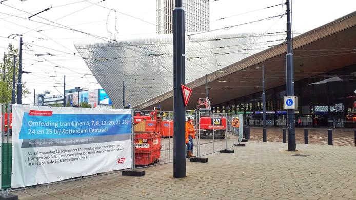 Bij Centraal Station wordt gewerkt aan de trams.