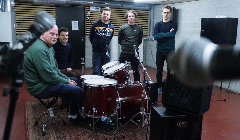 De jamboxen in het muziekcentrum Track hebben nu elk een zanginstallatie, een vaste drum en twee versterkers