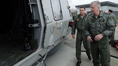 Koning Filip maakt vlucht met nieuwe legerhelikopter