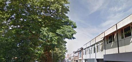 Meisje (14) gewond na botsing vorkheftruck Oost