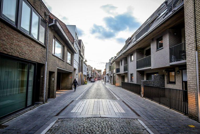De Dorpsstraat is smal, maar wel belangrijk.