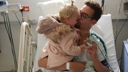 """Pieter Timmers in ziekenhuis opgenomen voor gedeeltelijke klaplong: """"Hij is gelukkig heel oké"""""""