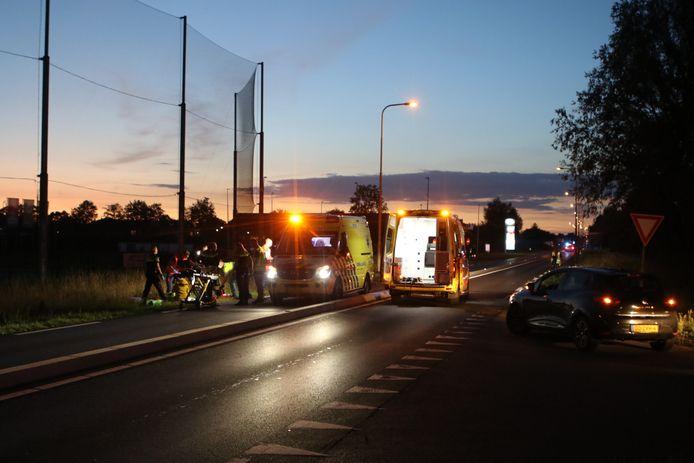 Twee ambulances zijn aanwezig. Er landde ook een traumahelikopter.