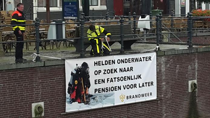 Spandoek brandweer Breda
