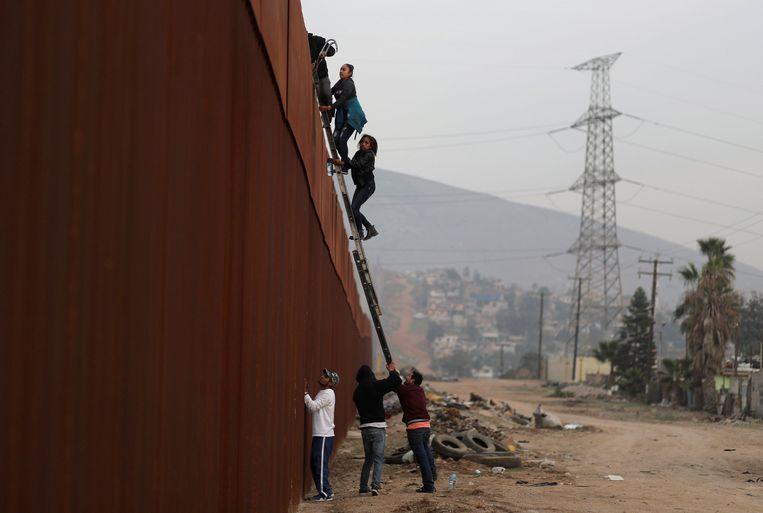 Soms vinden migranten toch een manier om de VS binnen te geraken.
