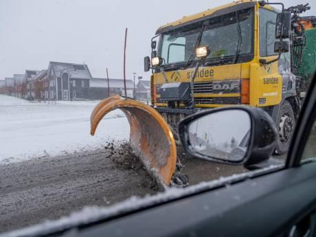 LIVE   Nieuw filerecord van meer dan 1700 kilometer door sneeuwval