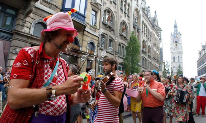 Bonte optocht startte bij het stadhuis richting Sint-Jacobs (archieffoto)