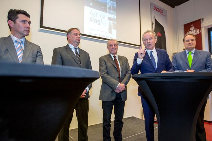 De wethouders in het Bossche college van B en W in 2015: Eric Logister, Jan Hoskam, Jos van Son, Paul Kagie en Huib van Olden.