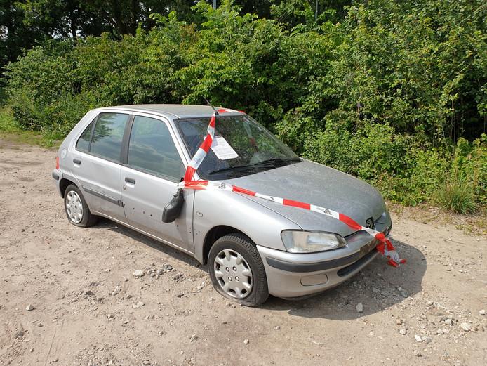 Verlaten auto in Sprang-Capelle