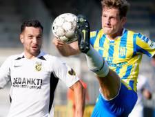Wouters (21) maakt dagen na tekenen eerste profcontact debuut in de eredivisie: 'Trainer gaf me het vertrouwen'