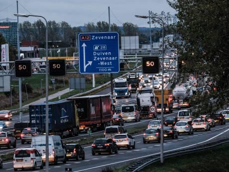 Regio met petitie naar Den Haag voor aanpak files A12: 'Er moet snel wat gebeuren'