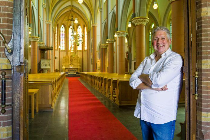 Walther Coppens is de nieuwe eigenaar van de Clemenskerk in Waalwijk en gaat de kerk verbouwen tot woonzorgcentrum.