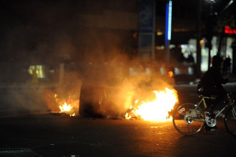 Brand bij protesten in Oakland Beeld photo_news