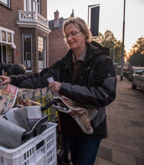 Coronatijden of niet, Marion (60) zorgt dat de krant op de mat ligt