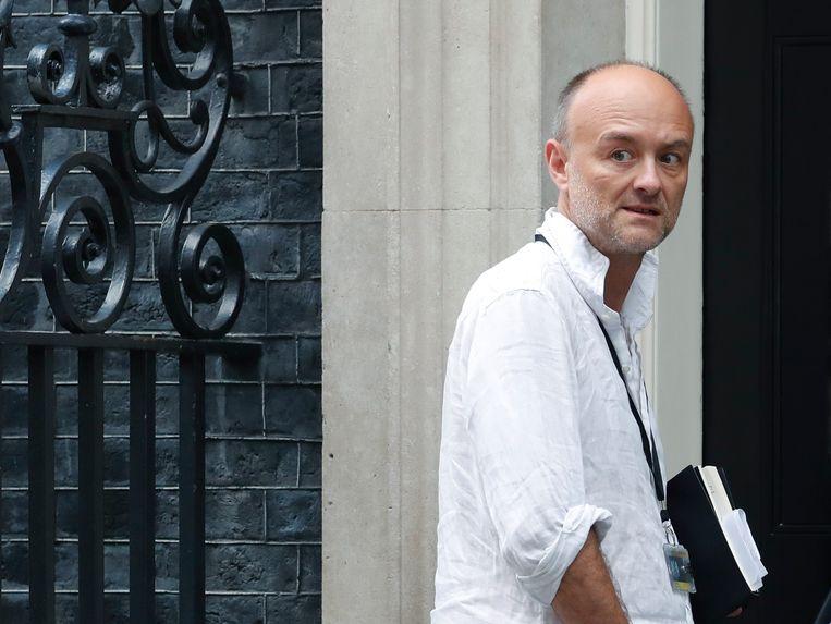 Dominic Cummings geldt als de rechterhand van de Britse premier Boris Johnson. Hier betreedt hij diens ambtswoning Downing Street 10.