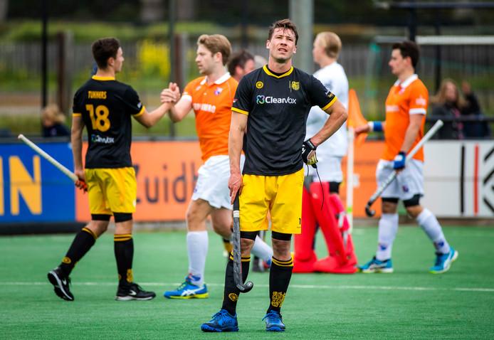BLOEMENDAAL - Teleurstelling bij Arjen Lodewijks (Den Bosch) na de verloren hoofdklasse competitiewedstrijd hockey heren, Bloemendaal-Den Bosch (2-1). (archiefbeeld)