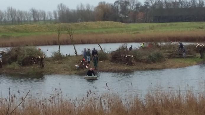 Vrijwillige natuurbeheerders aan het werk in de Sasput.
