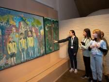 Kinderen van 6de leerjaar herdenken Holocaust in Felix Pakhuis