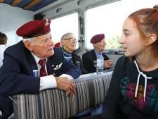 Breekbare veteranen 75 jaar na de bevrijding nog op handen gedragen