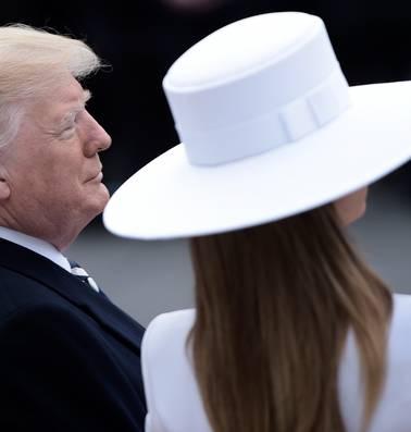 Het mysterie van Melania Trumps witte hoed