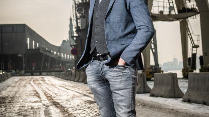 """Tom Dingenen (38) speelt niet alleen hunk Bart in 'Dertigers': """"Ik werk al 18 jaar in de Antwerpse haven"""""""