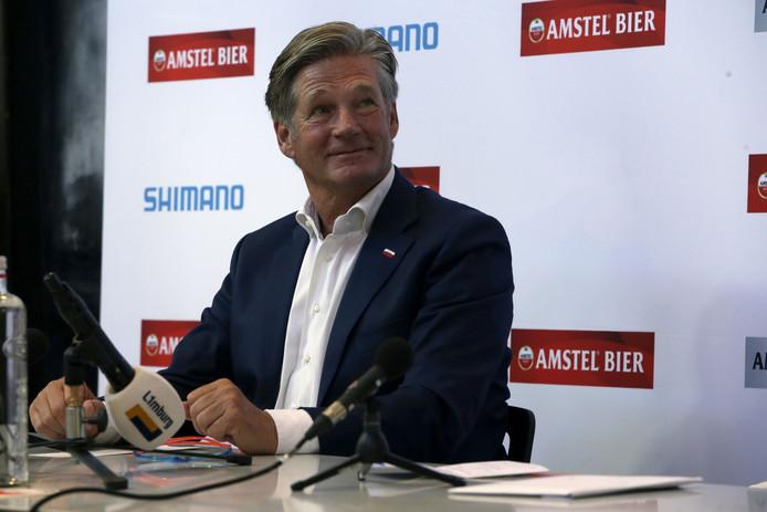 Koersdirecteur Leo van Vliet tijdens de persconferentie van de vrouwenkoers van de Amstel Gold Race Ladies Edition in 2016.