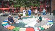 In Sint-Baafsdorp halen buren banden aan rond reuzenganzenbord