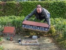 Al priegelend worden gebouwen en koeien in Landschapsmuseum Beek weer als nieuw