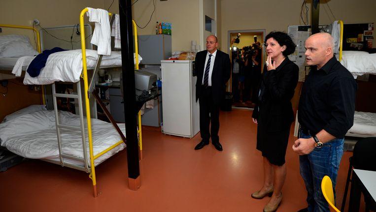 Justitieminister Annemie Turtelboom op bezoek in de gevangenis van Tilburg. Foto uit augustus 2012.
