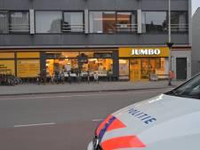 Overvaller die medewerker Jumbo Tilburg sloeg opgepakt, tweede dader wordt nog gezocht