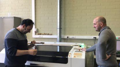 Leerkrachten Talentenschool maken 1.600 spatschermen voor ziekenhuis en zorginstellingen