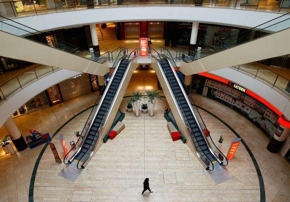 Een leeg winkelcentrum in het Duitse Leverkusen.